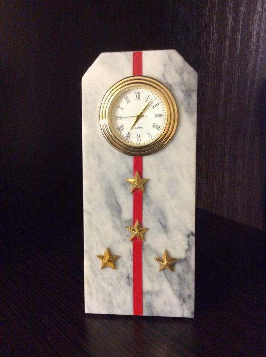 Часы Погон капитан мрамор